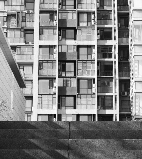 Apartment Building Bridge House  - missingstripy / Pixabay