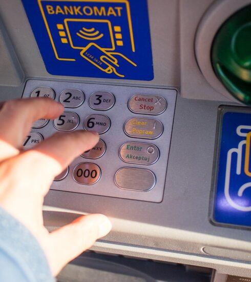 Atm Money Cash Payment Finance  - jarmoluk / Pixabay