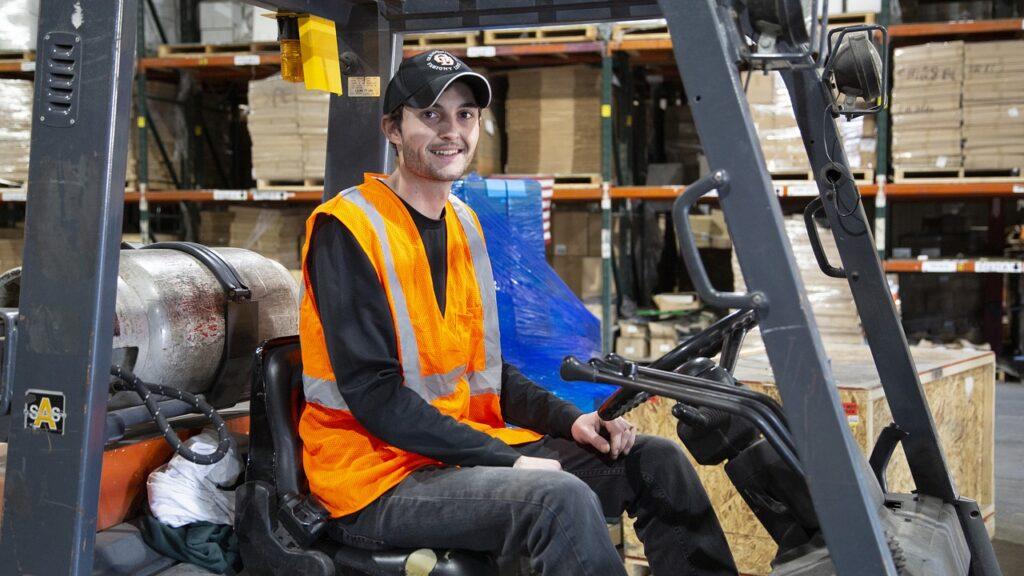 Forklift Worker Warehouse Forklift  - ekenamillwork / Pixabay