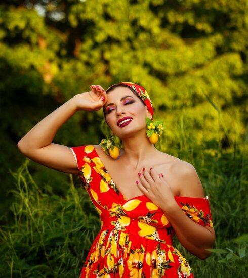 Girl Model Woman Fashion Dress  - innamikitas / Pixabay