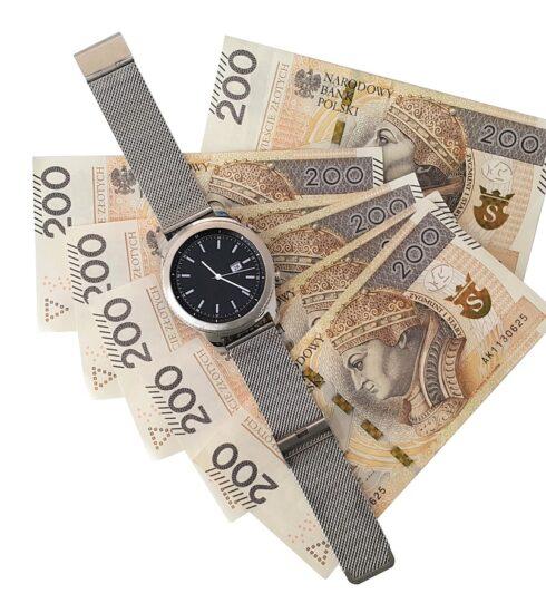 Money Euro Banknotes Gold  - Kerala / Pixabay